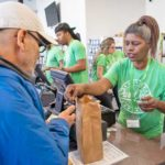Transaction at Pure Oasis's Dorchester Dispensary - Credit: Robin Lubbock (WBUR)